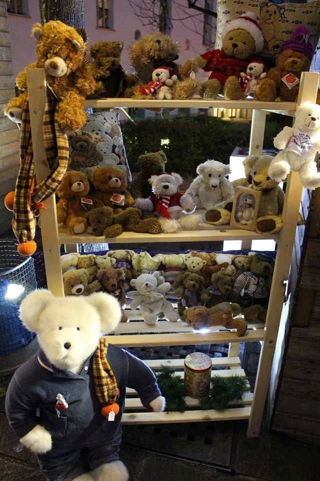 weihnachtsmarkt- weihnachtsmarkt teddybaren hotel peterhof