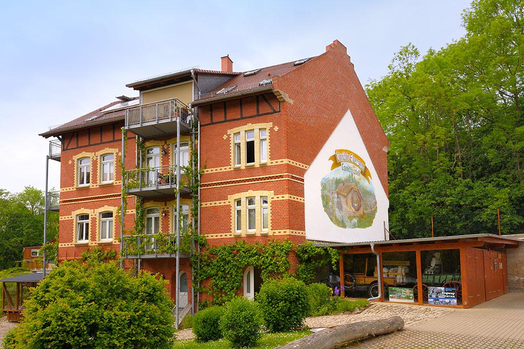 Schwimmendes Hüttendorf Hotel
