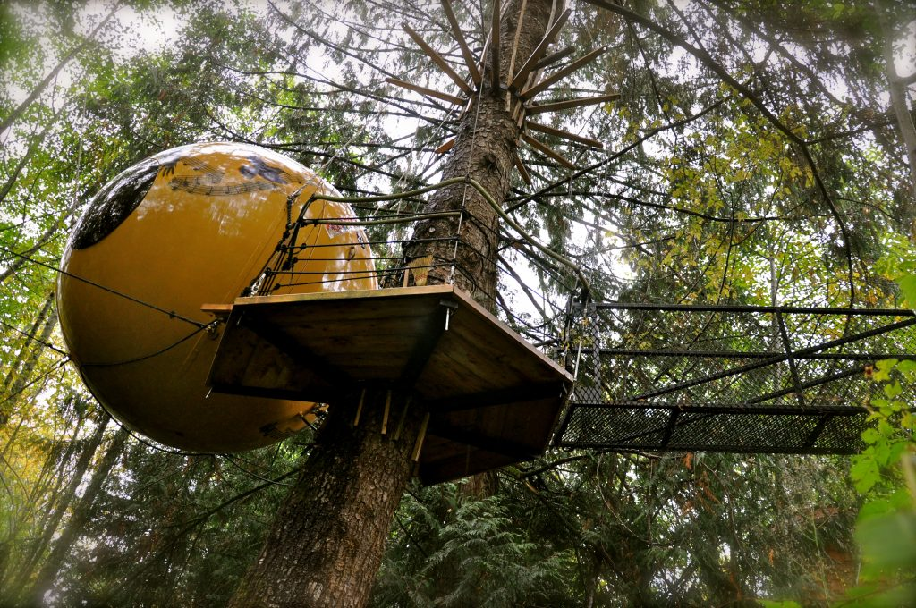 free spirit spheres hotel in vancouver island canada