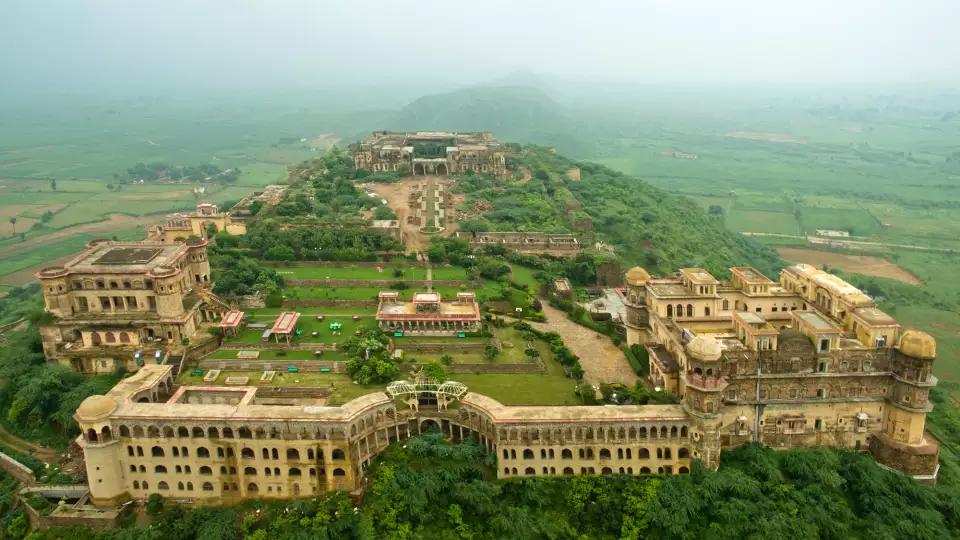 tijara fort palace history