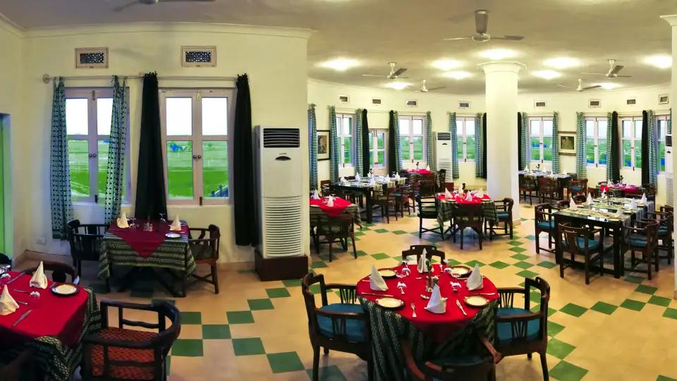 Dining_Hill_Fort-Kesroli_-_14th_C_Alwar,_Restaurants_in_Neemrana