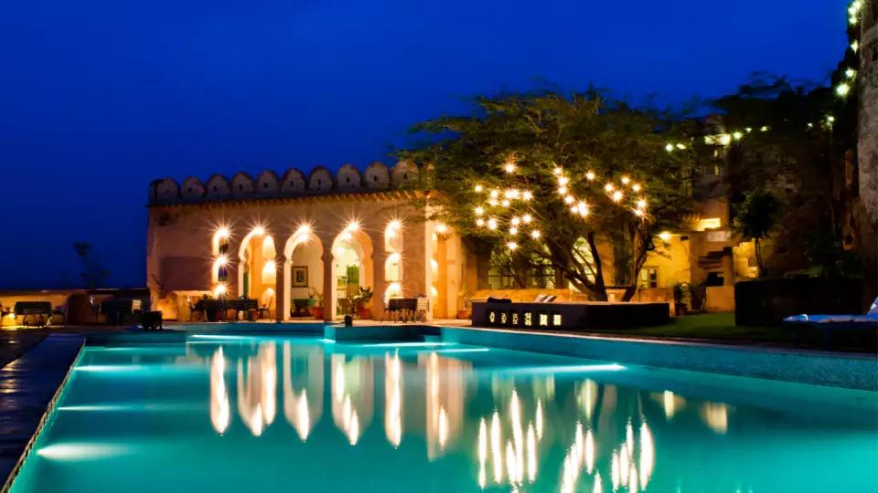 Rajasthan_Pool_view_restaurant